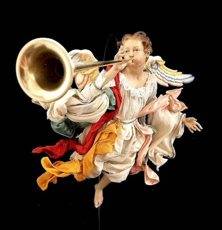 0285 Angelo soffiante con tromba - h 30 cm