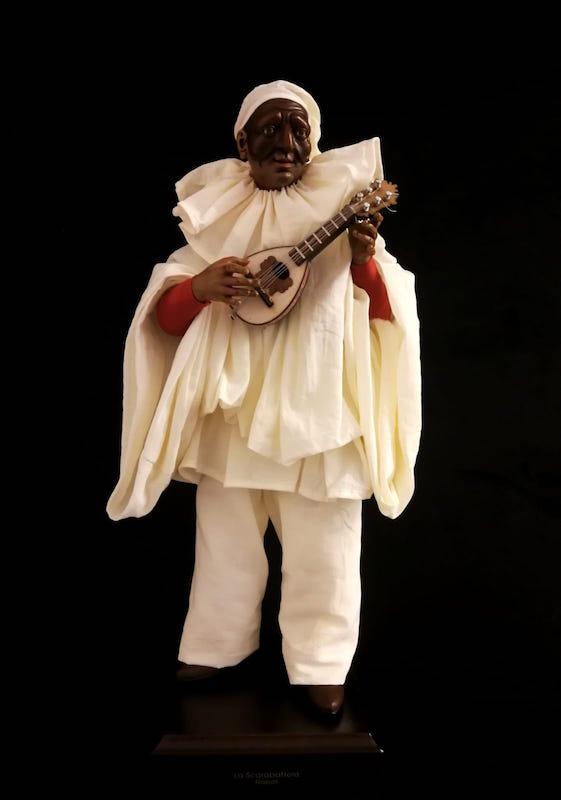 0095 Pulcinella con mandolino - h 30 cm