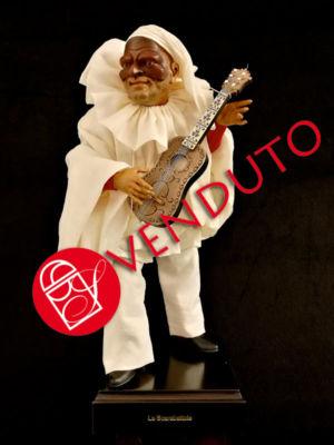 0035 Pulcinella con chitarra - h 30 cm