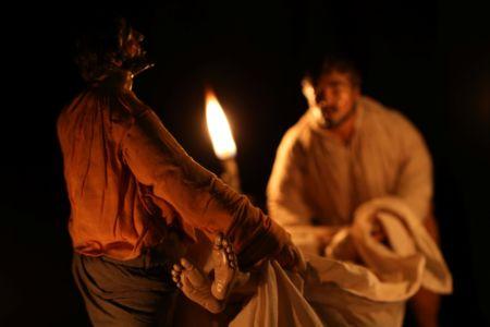 Presepe di New York - culto dei morti (da Caravaggio)