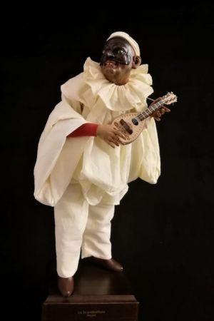 0089 Pulcinella con mandolino - h 30 cm