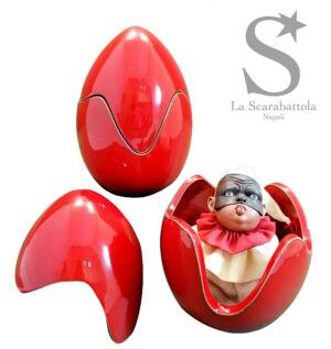 Uovo rosso - Ceramica e terracotta policroma, occhi in vetro e stoffa - h 18 cm